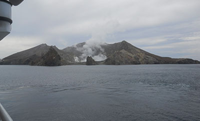 Cruise 2 White Island