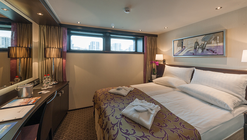 Deluxe stateroom E & D